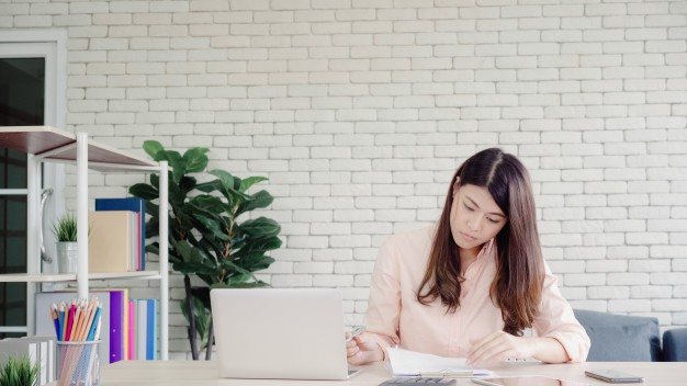 5 practical tips to handle your finances during COVID-19 crisis